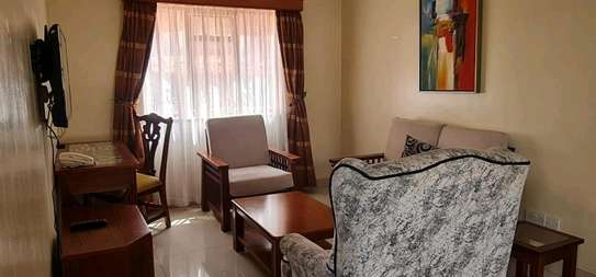 One bed serviced and furnished apartment in westlands Lantana image 2