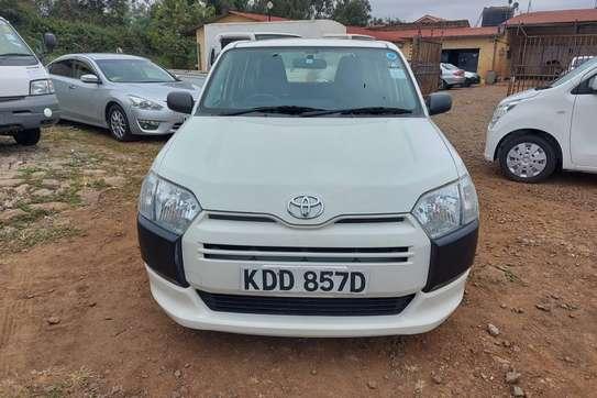 Toyota Succeed image 1