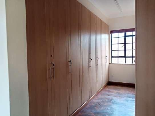 5 bedroom house for rent in Karen image 4