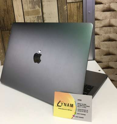Apple MacBook pro(2018) image 1