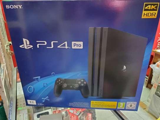 PS4 PRO 1TB BRAND NEW