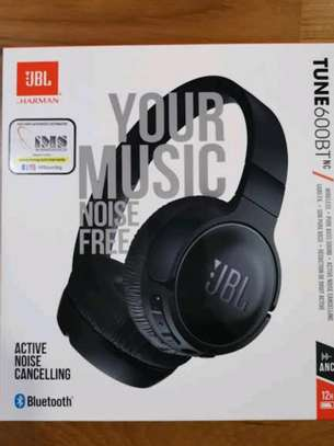 JBL TUNE 600BTNC brand new and sealed in a shop image 1