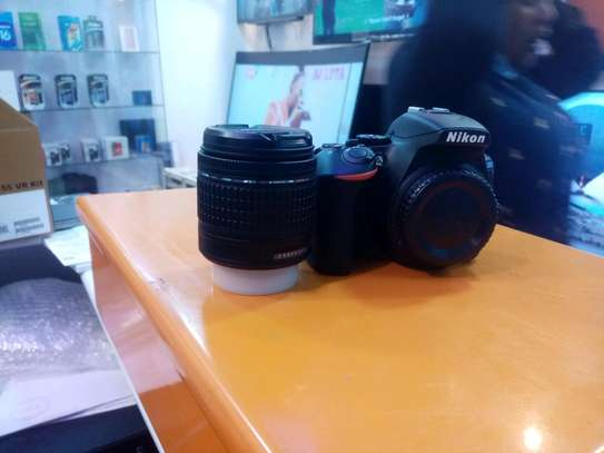 NIKON D5600 dslr/ interchangable lens camera image 3