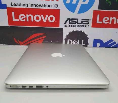 Macbook pro 2015/ Core i5/ 8gb ram/256 image 2
