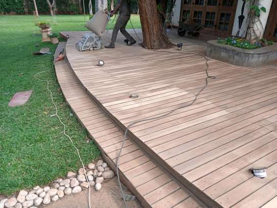 Dustless/Best wooden floor sanding and polishing, repairs and maintenance services,