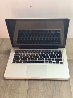 Macbook Pro 2011 i5/2.4ghz/8gb/512gb SSD image 1
