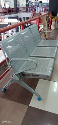 Waiting link chair ( Non-padded) image 1