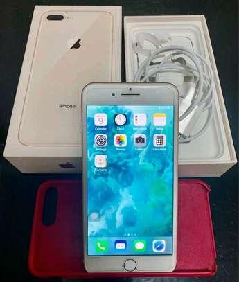 Apple IPhone 8 Plus : 256 Gigabytes : 5 Phone Cases image 2