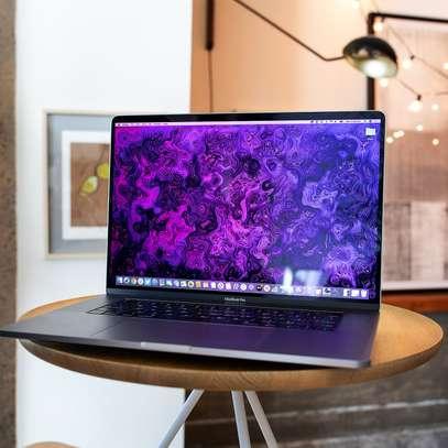 Apple MacBook Pro 16 2020 (MVVJ2) image 2
