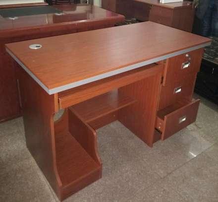 Executive table 12.0Et image 2