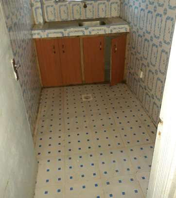 Very spacious 1&2 bedrooms for rent image 2