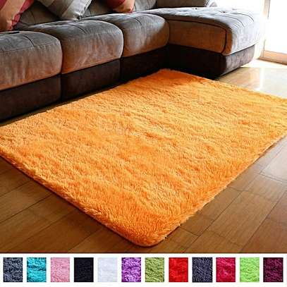 CARPETS FLUFFY COMING IN DIFFERENT COLOURS image 3