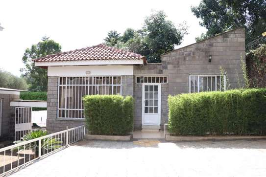 Furnished 2 bedroom house for rent in Runda image 9