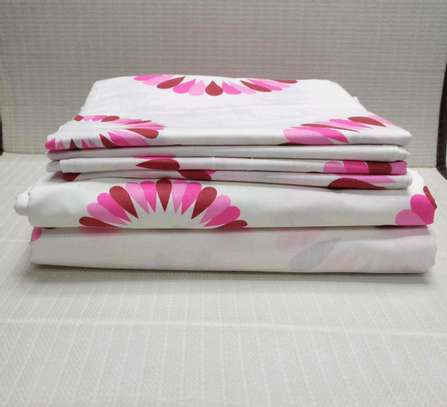 7 by 8 Lux core bed sheets sets with 1 Flat Sheet, 1 Fitted Sheet, and 4 Pillowcases. image 4