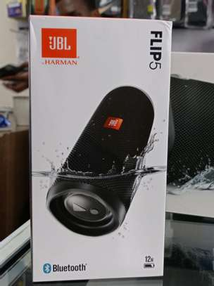 JBL Flip 5 Portable speaker brand new and sealed in a shop image 1