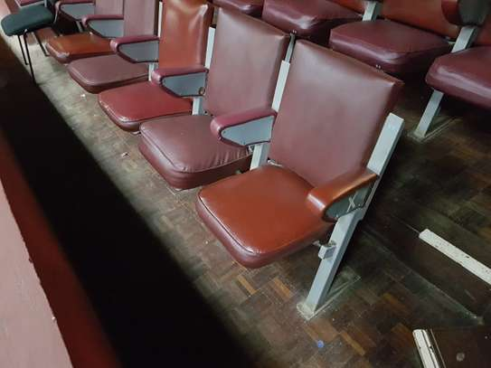 375 Folding Theatre Seats/Chairs image 2