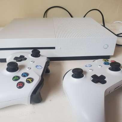 Xbox one s image 3