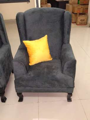 Good 7 seater buttoned sofaset image 3
