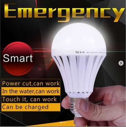 intelligent light led Bulb Continues to light after power goes out image 1