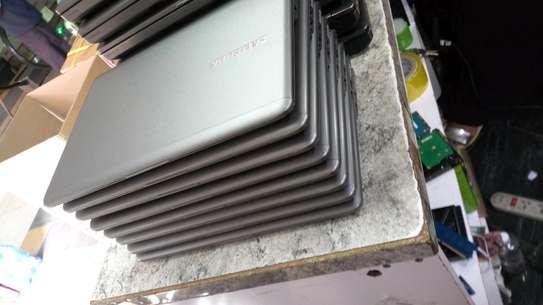 Samsung Series 5NP54U3C Review image 2