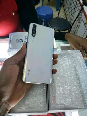 mobile phone tecno phantom 9 image 2