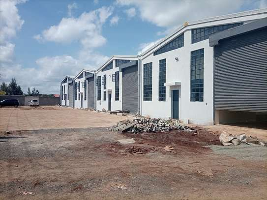 3000 ft² warehouse for rent in Mlolongo image 15