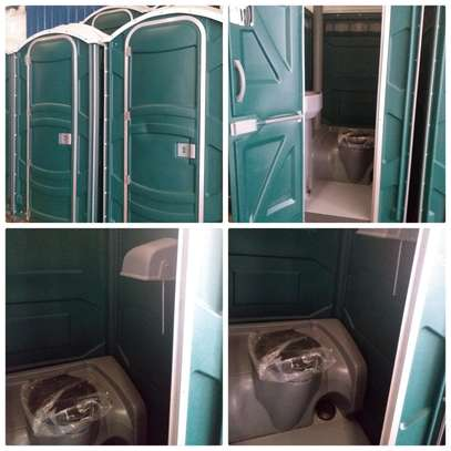 Mobile toilets for hire image 3