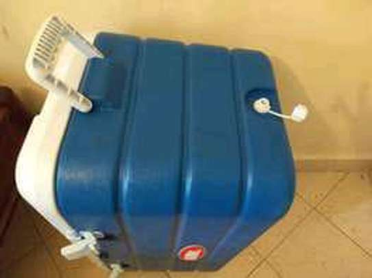 80 litres lockable thermos coolerbox image 1