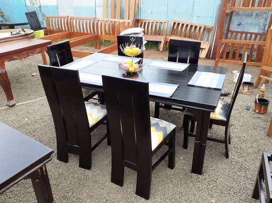 Six seater dinning table image 1