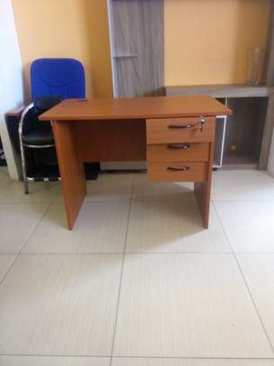 1 Meter office desk and mesh chair combo @12500 image 2