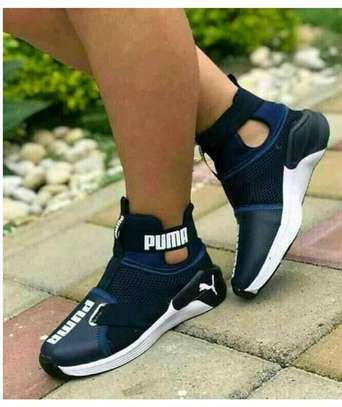 Puma sport shoes for ladies