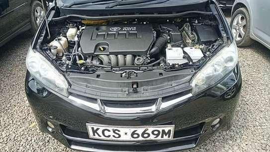 Toyota Wish image 9