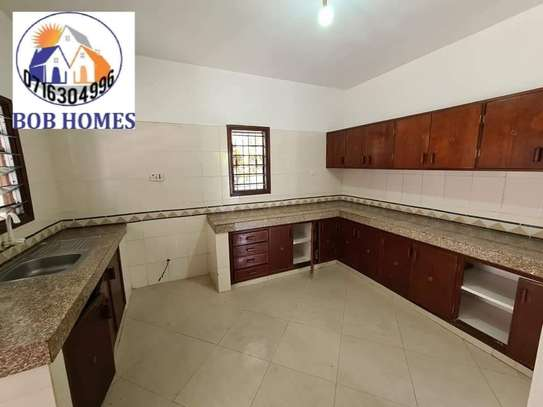 3 bedroom house for rent in Nyali Area image 5