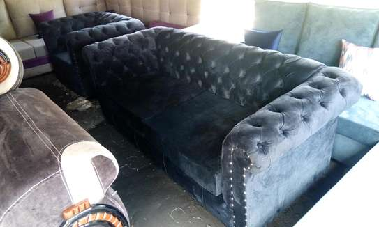 Beautiful Classic Ready Made 5 Seater Chesterfield Sofa image 1