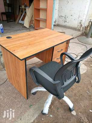 Back curved spinal chair with working desk image 1