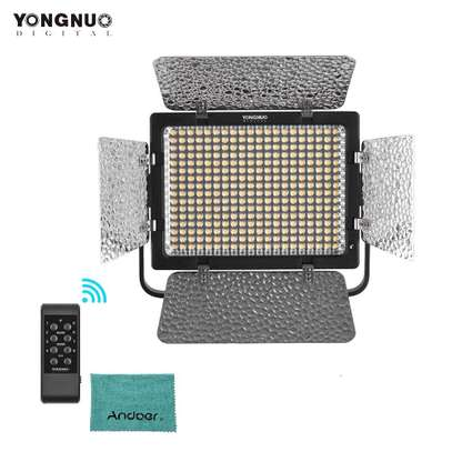 YONGNUO YN320 Professional On-Camera Bi-Color image 1