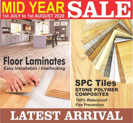 vinyl flooring that uses glues and click image 1