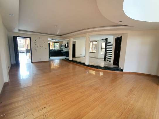 5 bedroom house for rent in Spring Valley image 8