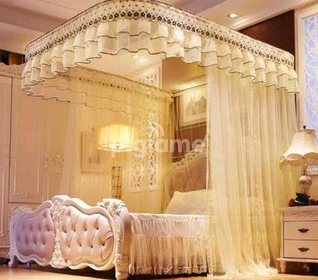 Mosquito net 2 stands image 3