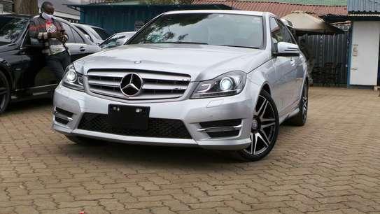 Mercedes-Benz C200 image 6