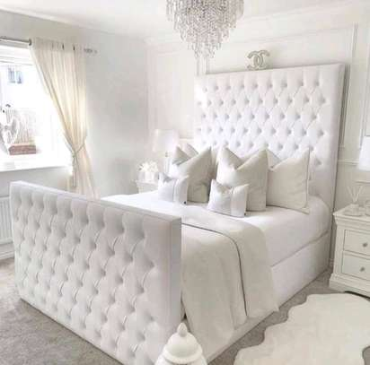 5x6 tufted bed image 1