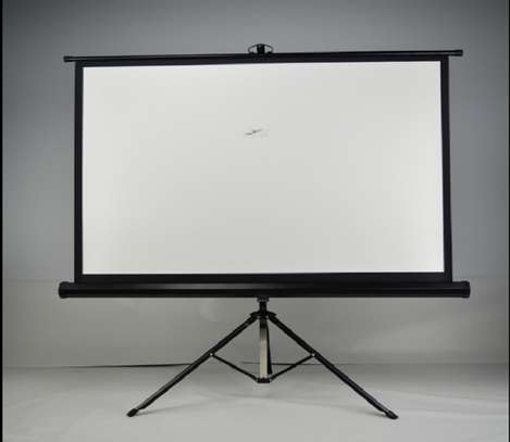"""Tripod Projection Screen """"84×84"""" image 1"""