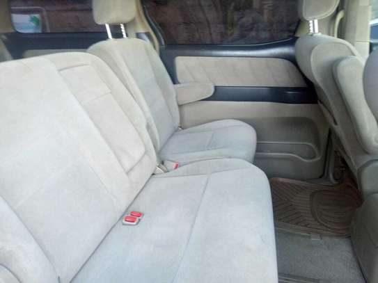 Toyota Alphard image 7