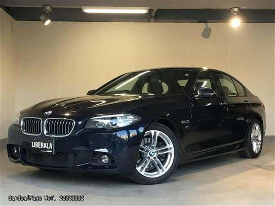 BMW 5 Series image 8