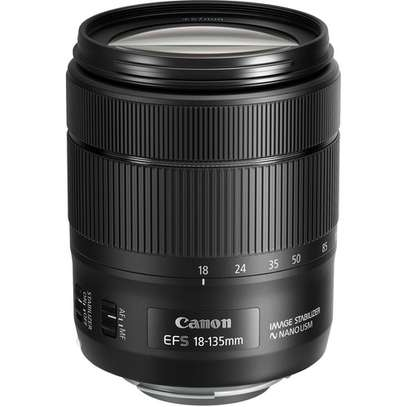 Canon EF-S 18-135mm f/3.5-5.6 IS USM Lens image 1