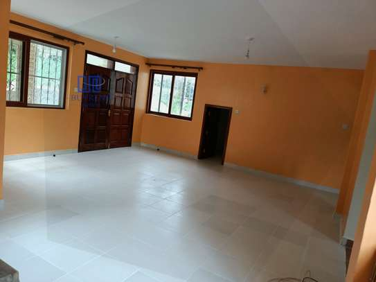 3 bedroom house for rent in Old Muthaiga image 11