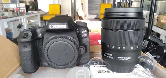 CANON 90 D with 18-135mm Lens image 3