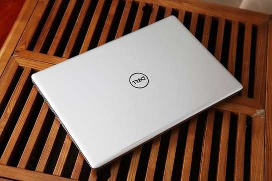 Selected Dell inspiron 7570 image 1