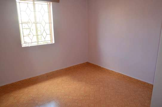 VERY SPACIOUS TWO BEDROOM TO LET image 5