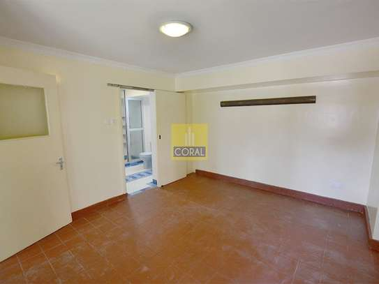 1 bedroom house for rent in Kilimani image 12